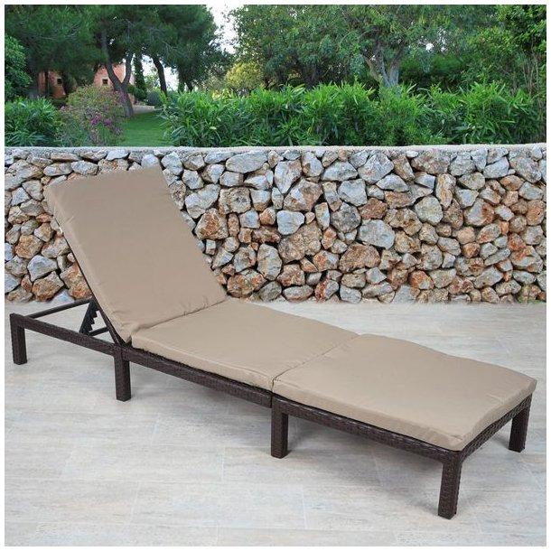 Polyrattan liggestol - brun polyrattan solseng med 5 cm creme hynde - Basic