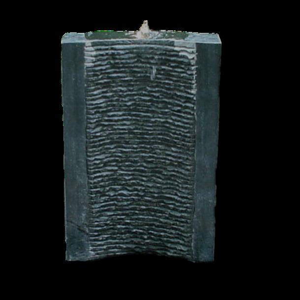 Vandvæg i sort granit - udendørs vandkunst og vandfald